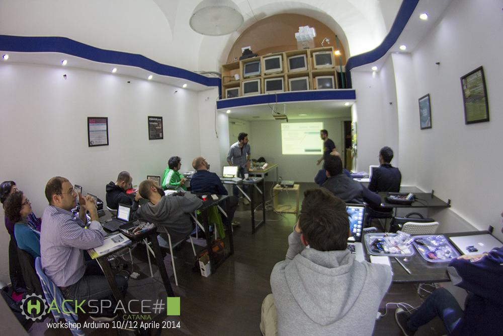 hackspacecatania-workshop-arduino_3-copia.jpg